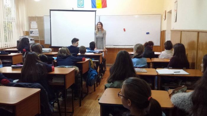 Lecţii de educaţie juridică şi etică în şcoli, pentru elevii orădeni