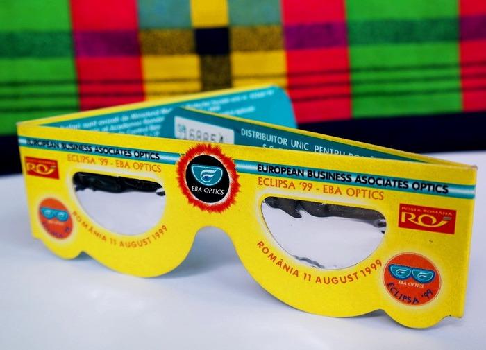 Ochelarii de eclipsă