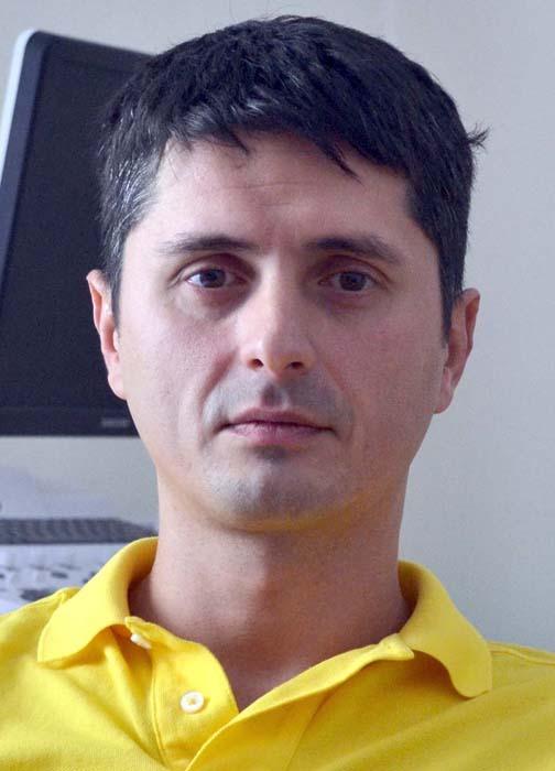 dr. Adrian Bumbu (foto), psihiatru şi membru al Fundaţiei pentru Sănătate,