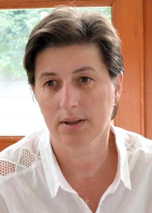"""Eva Iova-Şimon, redactor şef """"Foaia Românească"""""""