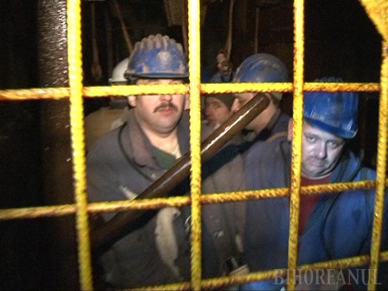 80 de mineri de la Băiţa s-au blocat în subteran