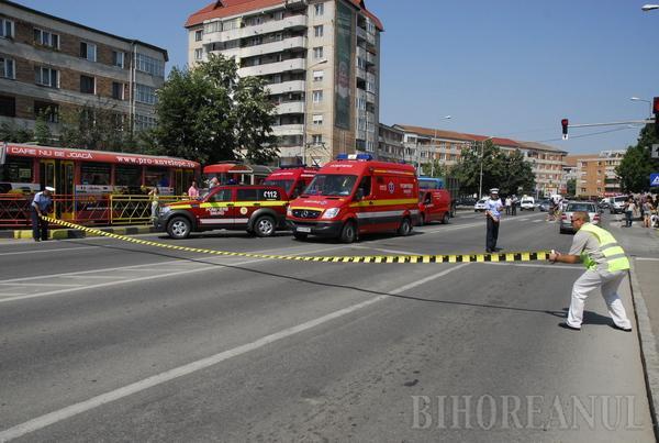 Patru persoane, lovite de un camion pe trecerea de pietoni