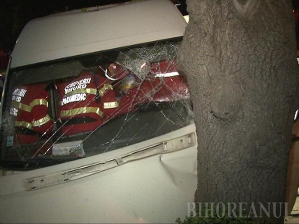 Accident mortal lângă Parcul Petofi: A pierdut controlul maşinii şi a intrat în pom