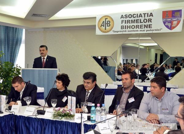 """Patronii au înfiinţat Asociaţia Firmelor Bihorene, care să reprezinte """"în mod real societăţile comeciale din judeţ"""""""