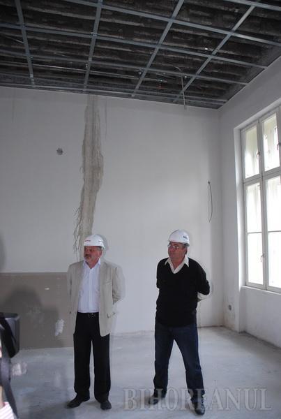 Mândru de lucrările făcute, patronul Selinei vrea să dea Consiliului Judeţean Muzeul neterminat