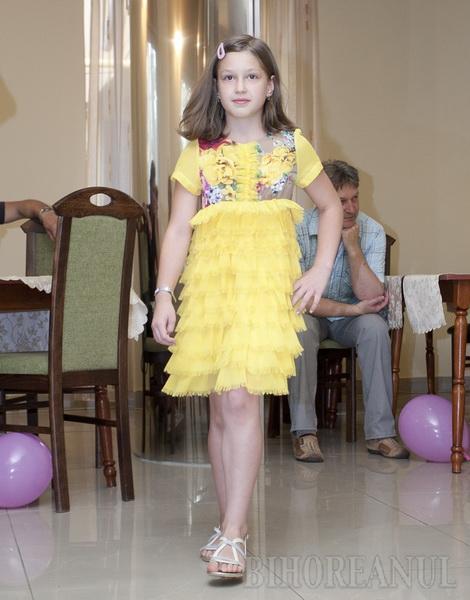 Copiii au o agenţie de modeling a lor, în Oradea