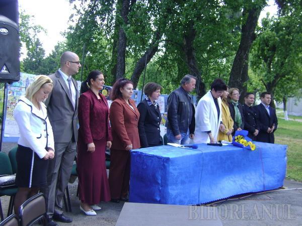 """60 de ani de UE, sărbătoriţi cu tort """"european"""" la Facultatea de Ştiinţe Politice"""