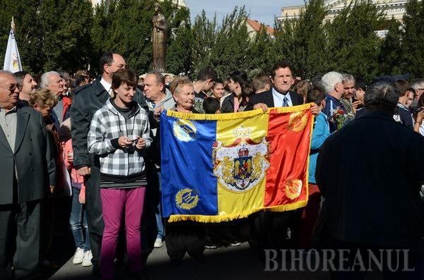 Festivitate însufleţită şi participare masivă la dezvelirea statuii Reginei Maria