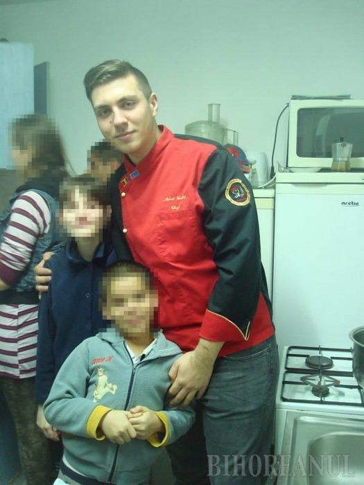 Lecţie specială: Copiii orfani au învăţat să gătească de la un chef experimentat