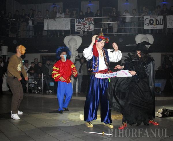 Personajele Disney le-au adus victoria liceenilor de la Transilvania (FOTO)