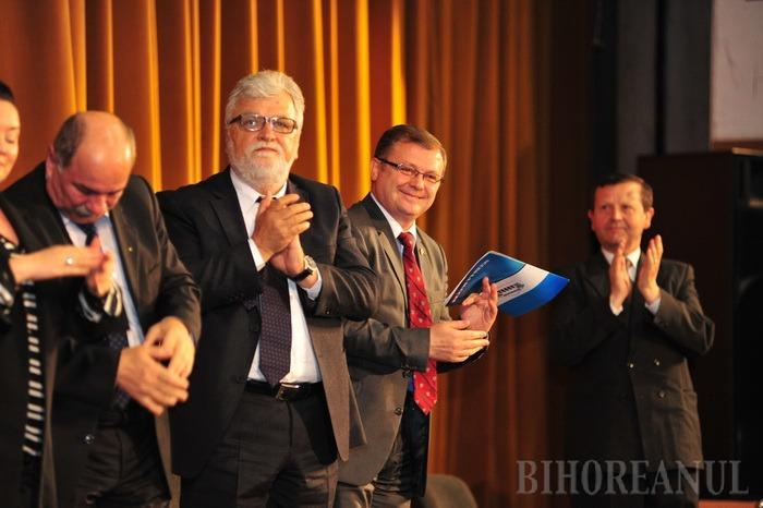 Cursul festiv al promoţiei 2014 la Universitatea AGORA