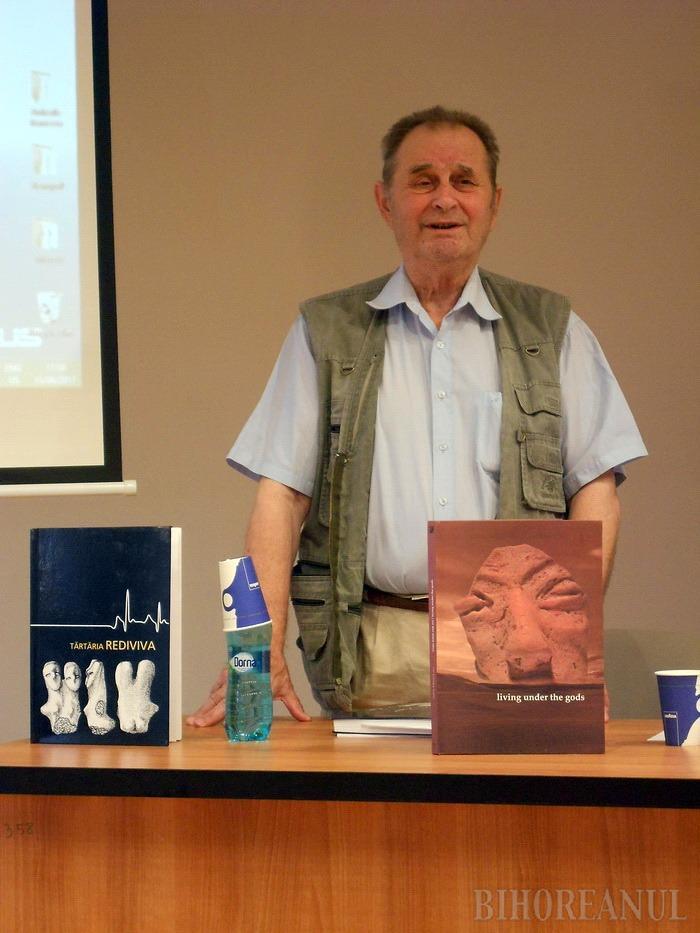 Directorul Muzeului Brukenthal din Sibiu şi-a lansat cele mai noi cărţi la Oradea