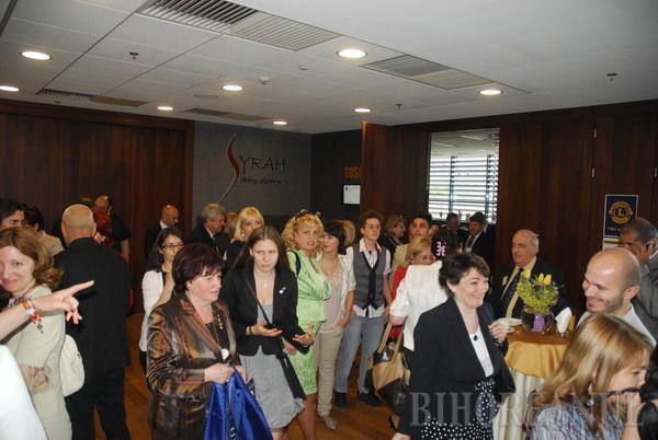 """Sub sloganul """"We serve"""", """"Leii"""" din toată ţara s-au adunat la Oradea să-şi aleagă noul guvernator"""