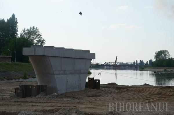 Oraşul podurilor: la Oradea se lucrează în paralel la construcţia a şase poduri