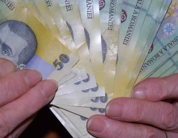 Liceenii orădeni află cum să-şi împartă banii de la studenţi din Filipine
