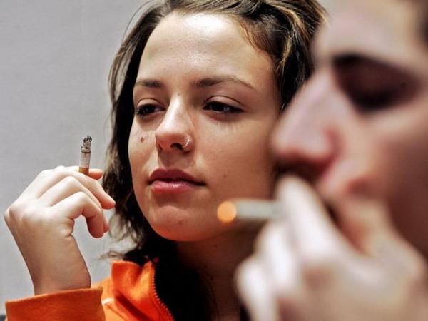 Europa vrea să interzică fumatul în spaţiile publice, de la 1 ianuarie 2013