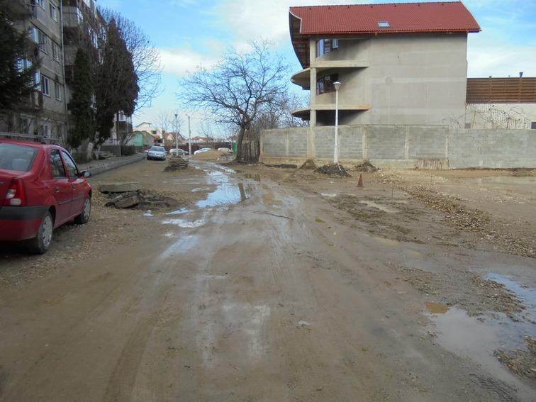 Aproape 300 de locuri de parcare, în lucru în spatele blocurilor din Calea Aradului (FOTO)