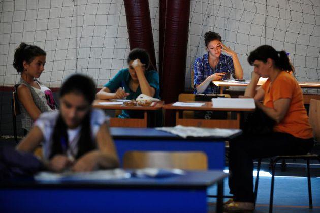 Evaluarea Naţională: Părinţii cer demisia profesorilor care au creat subiectele la română