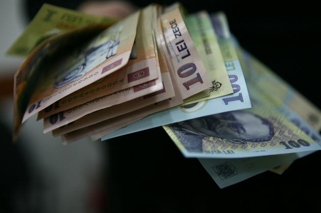 """Ponta despre """"starea naţiunii"""": La finalul lui 2013, fiecare român va fi mai dator cu 150 de euro"""