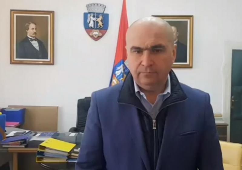 Bolojan fără semnal: De ce și-a amânat primarul de Oradea declarația de presă de pe Facebook
