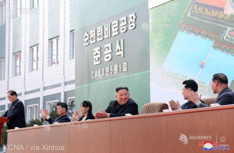 Liderul nord-coreean Kim Jong-un, prima ieșire publică de la zvonurile care-l dădeau mort