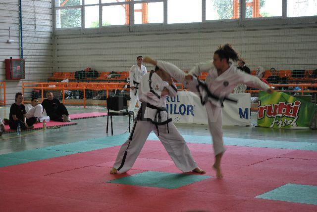 Clubul orădean King Do a ocupat locul secund la seniori în cadrul Cupei Internaţionale de Vară la taekwondo (FOTO)