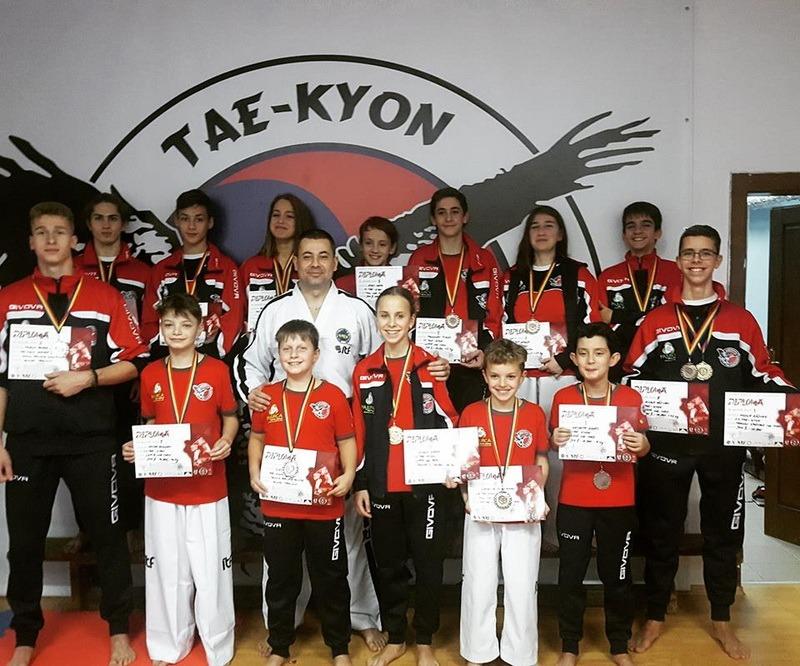 Sportivii clubului orădean Tae-Kyon și-au adjudecat 15 medalii la întrecerile Cupei României