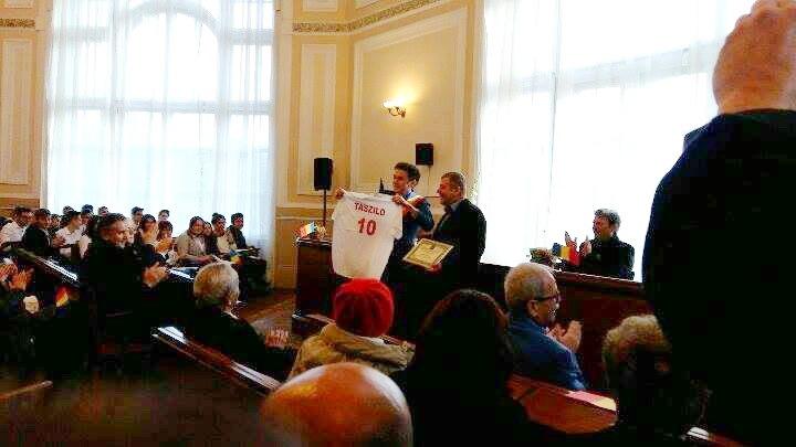 Antrenorul echipei Tengo Salonta, Vasile Sorean, a primit titlul de cetăţean de onoare al municipiului Salonta (FOTO)