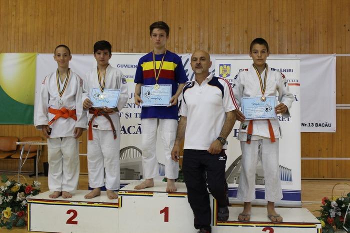 Patru medalii pentru tineri judoka orădeni la Campionatul Naţional pentru copii II de la Bacău