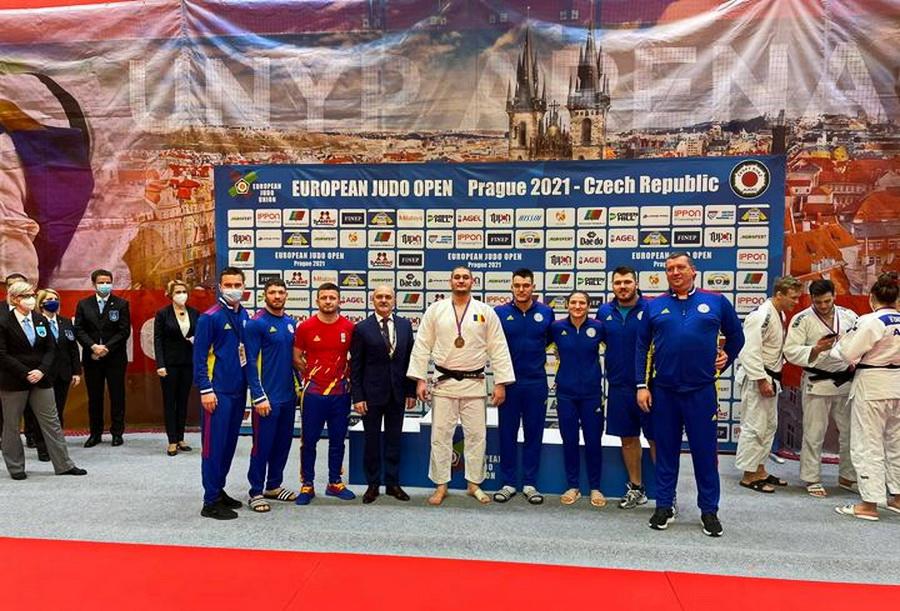 Orădeanul Alex Creț a reușit să obțină locul V la competiția de judo, categoria -200 kg (Sursa: Csmoradea.ro)