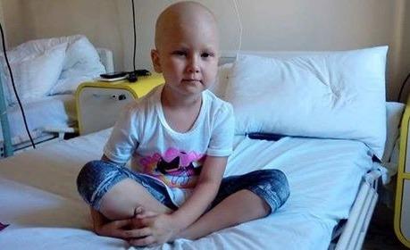 Te rog, salvează-mă!. O fetiţă de 4 ani din comuna Cefa, bolnavă de leucemie, are nevoie urgentă de un transplant de măduvă