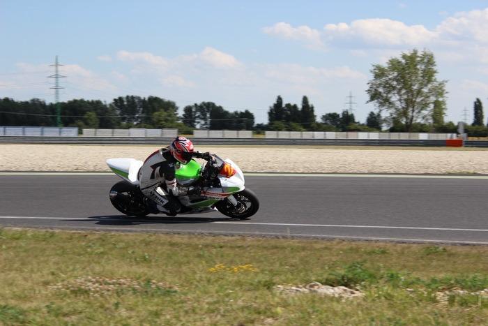 Motocicliştii orădeni, pe podium la ultimele două etape de la Dunlop Romanian Superbike (FOTO)