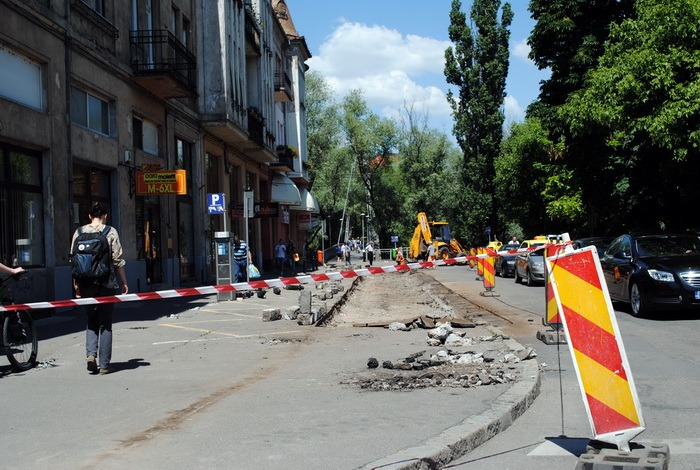 Ocoliţi podul Decebal! Primăria reabilitează intersecţia bulevardului Decebal cu strada Apostol Andrei (FOTO)