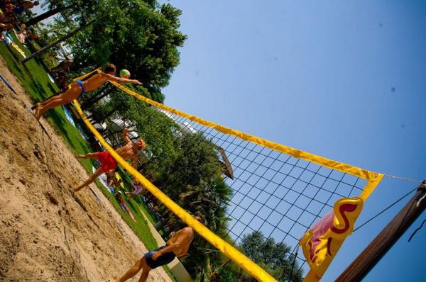 Turneu naţional de volei pe plajă interlicee, la Oradea