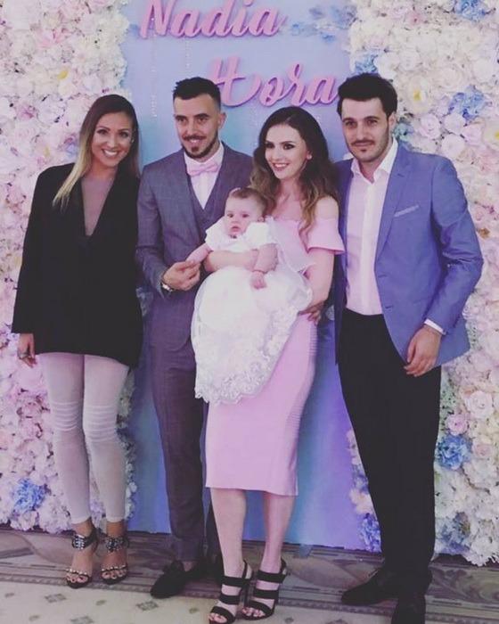 Fotbalistul Ioan Hora şi soţia lui, Romana, şi-au botezat la Oradea fetiţa născută în Turcia (FOTO)