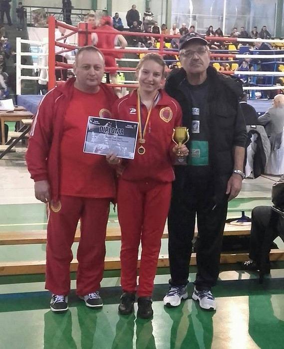 Anamaria Iuhas, de la Basti Box Salonta, a cucerit medalia de aur la Cupa României pentru juniori de la Râmnicu Sărat!