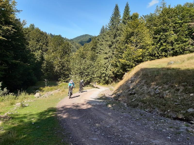 Pasionat de biciclit şi turism? O nouă tură se dă pe 28 septembrie, prin Parcul Natural Apuseni