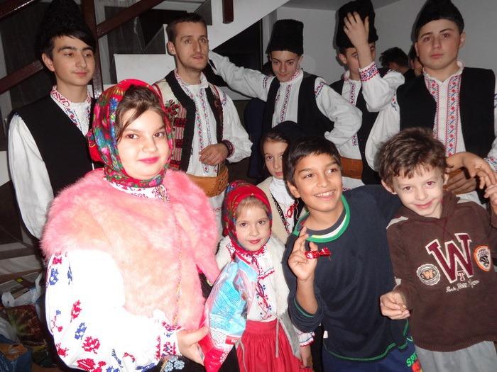Colindul de Crăciun a ajuns şi la orădenii necăjiţi (FOTO)