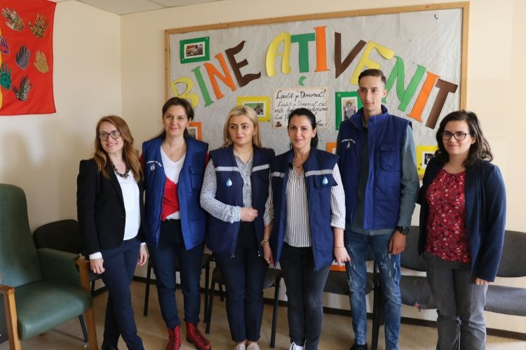 Bucuria învierii. Compania de Apă Oradea a distribuit cadouri la Centrul Smiles din Tileagd (FOTO)
