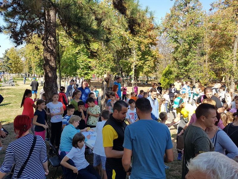 Aproape 450 de participanţi la Crosul Ziua oraşului Oradea 2018 (FOTO)