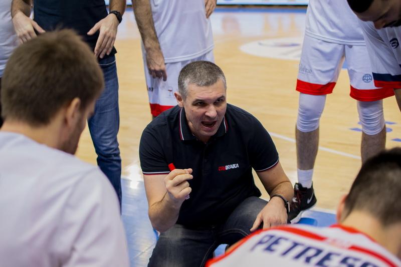 Din nou pe locul 1! Baschetbaliştii orădeni au câştigat cu 75-60 meciul cu Sibiul! (FOTO)