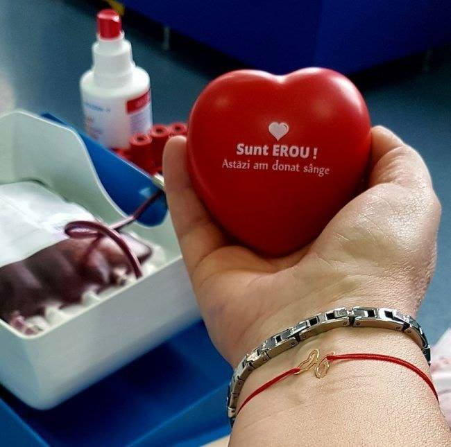 Donează sânge, fii erou! Studenţii medicinişti îndeamnă la solidaritate
