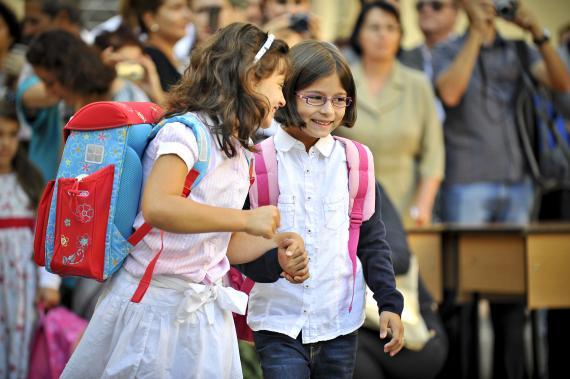 Părinţii primesc zi liberă în prima zi de şcoală a copiilor