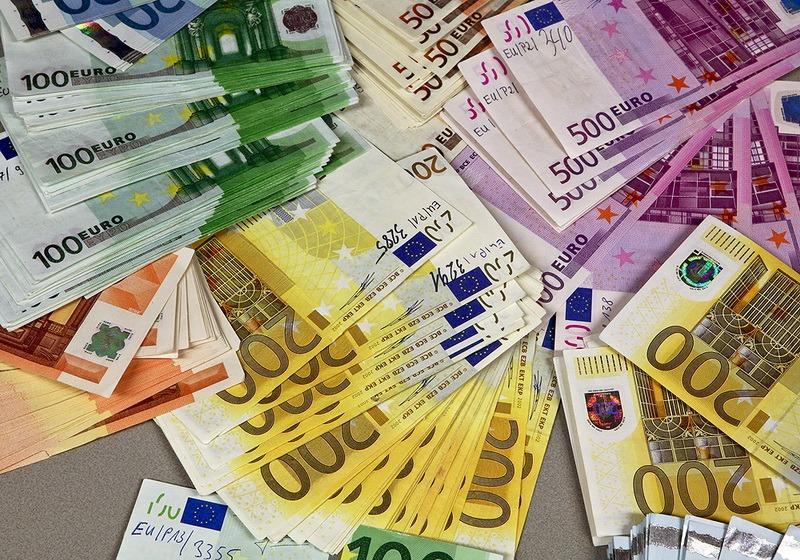 4,5 milioane de euro trebuie să plătească frații Micula în urma procesului pierdut la Tribunalul de Arbitraj Internațional. Ce spune Ministerul Finanțelor