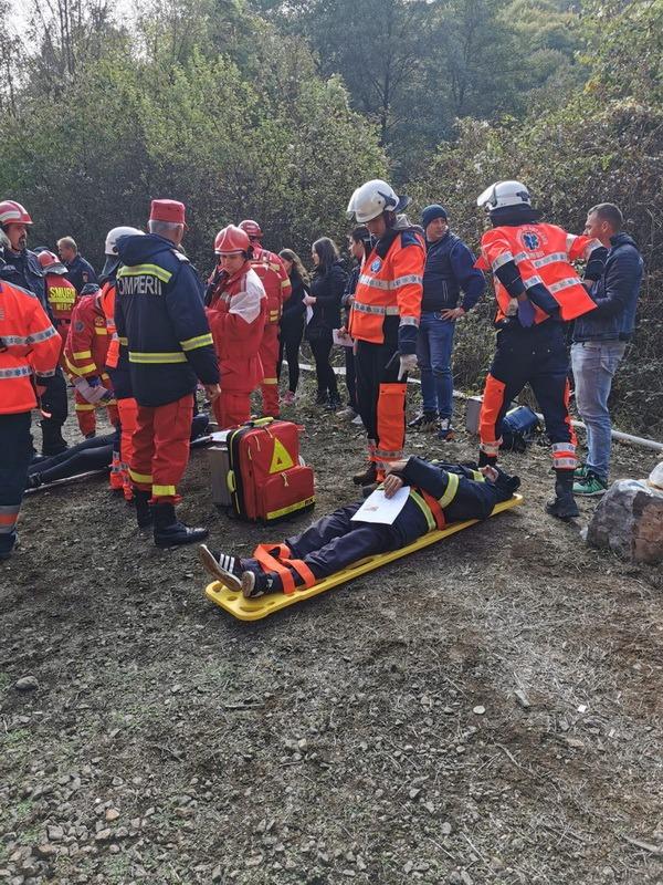 Exerciţiu cu plan roşu, în Bihor: Un accident feroviar, urmat de un incendiu într-un tunel între Şuncuiuş şi Vadu Crişului s-a soldat cu mulţi morţi şi răniţi (FOTO / VIDEO)