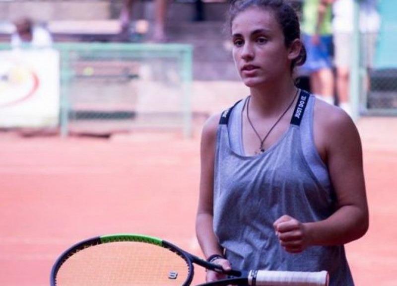 O nouă tânără speranţă a tenisului feminin se naşte la Oradea: Floriana Popovici, cu rezultate bune la turneele din această lună!