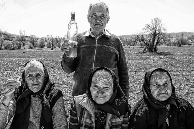 Vernisajul Fotografia – document etnografic: Cum arată lumea satului românesc, inclusiv în Bihor, în 100 de fotografii