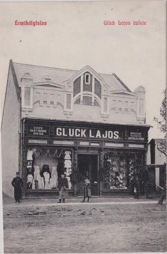 Bunicul Louisei Gluck avea un magazin de material lemnos în Valea lui Mihai. foto credit: szombat.org