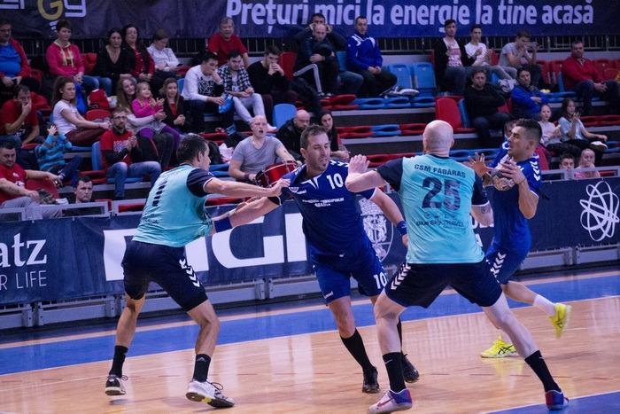 Deşi au jucat bine, handbaliştii de la CSM Oradea nu au reuşit surpriza în optimile cupei (FOTO)