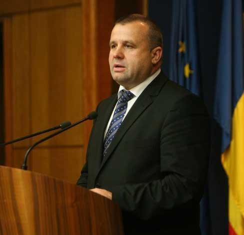 Ministrul Muncii, Ioan Botiş, verificat de ANI pentru că soţia sa ia bani europeni